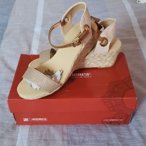 ANDREA WEDGES NEW